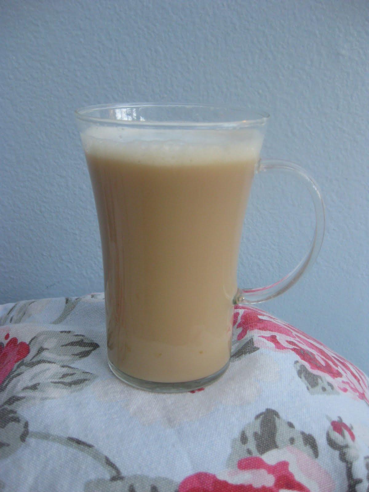 Fuss-Free Vanilla Rooibos Tea Latte