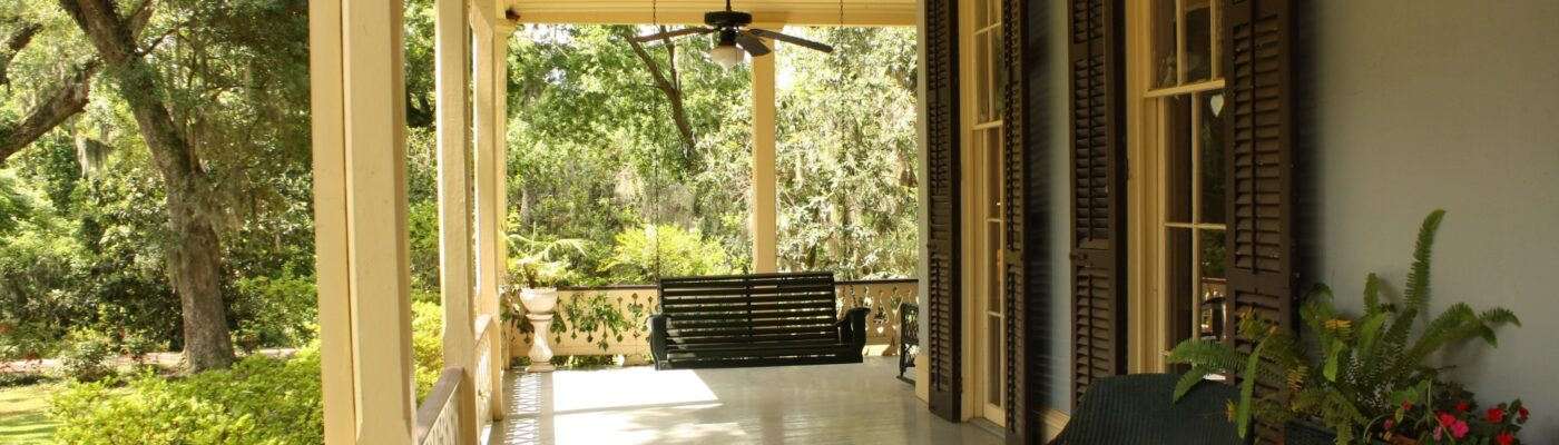 Front Porch Design: 4 Tips for Designing Your Front Porch