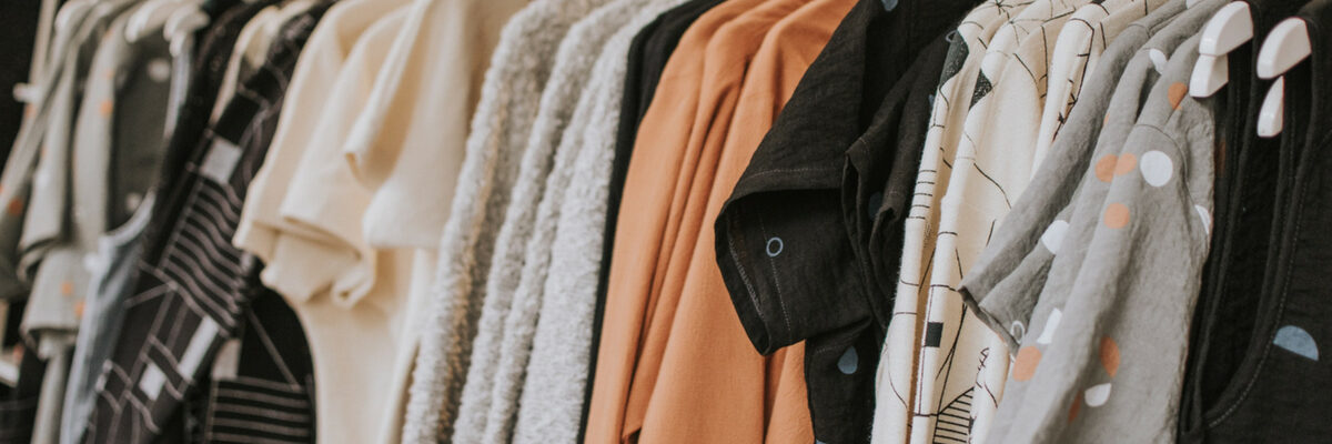 What Makes a Clothing Boutique Different From a Clothing Store?